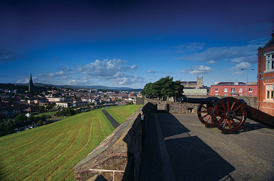 derry-walls-summer-medium-thumb